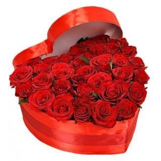 """Розы в коробке """"С Любовью"""""""