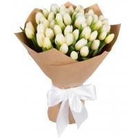 Букеты из Белых Тюльпанов в Крафте
