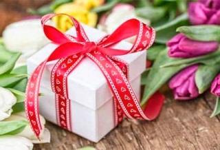 8 Марта, как выбрать подарок для: мамы, тещи и свекрови?
